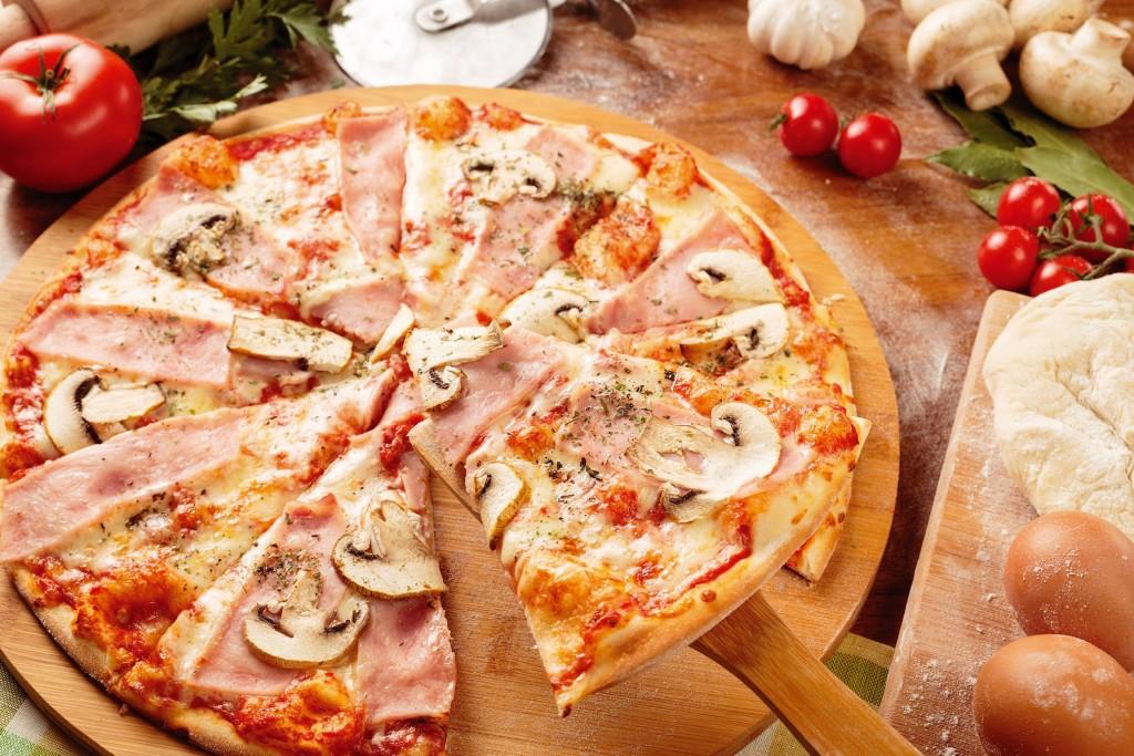 хрустящая пицца