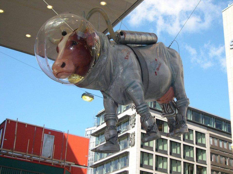 корова-космонавт  в Швеции