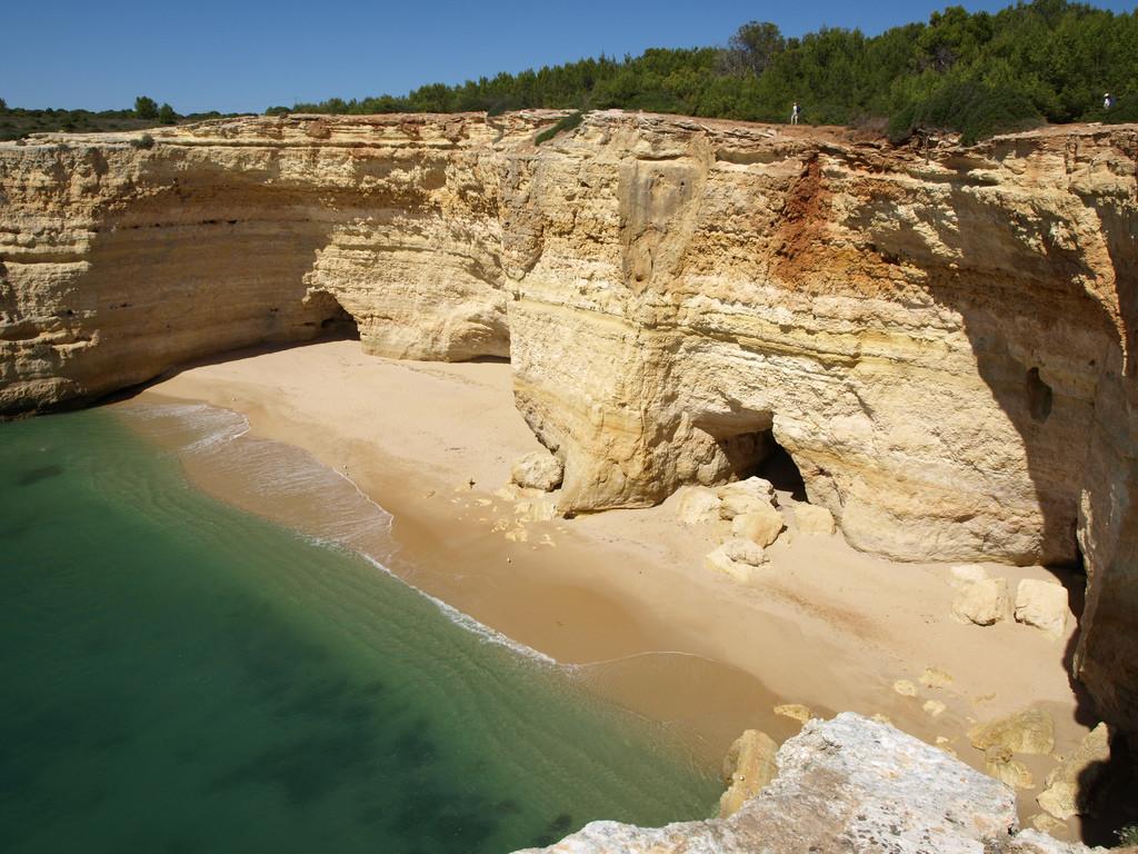 пещера бенагил