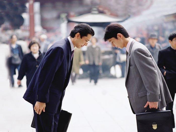 как здороваются в Японии