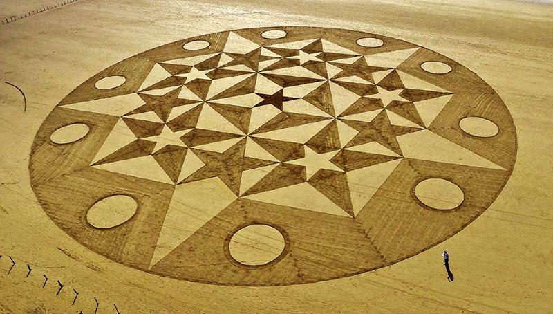 фигуры на песке
