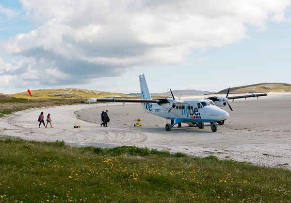 Аэропорт на пляже в Шотландии