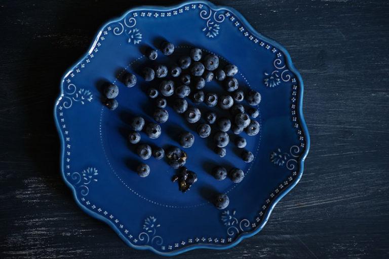 еда голубого цвета