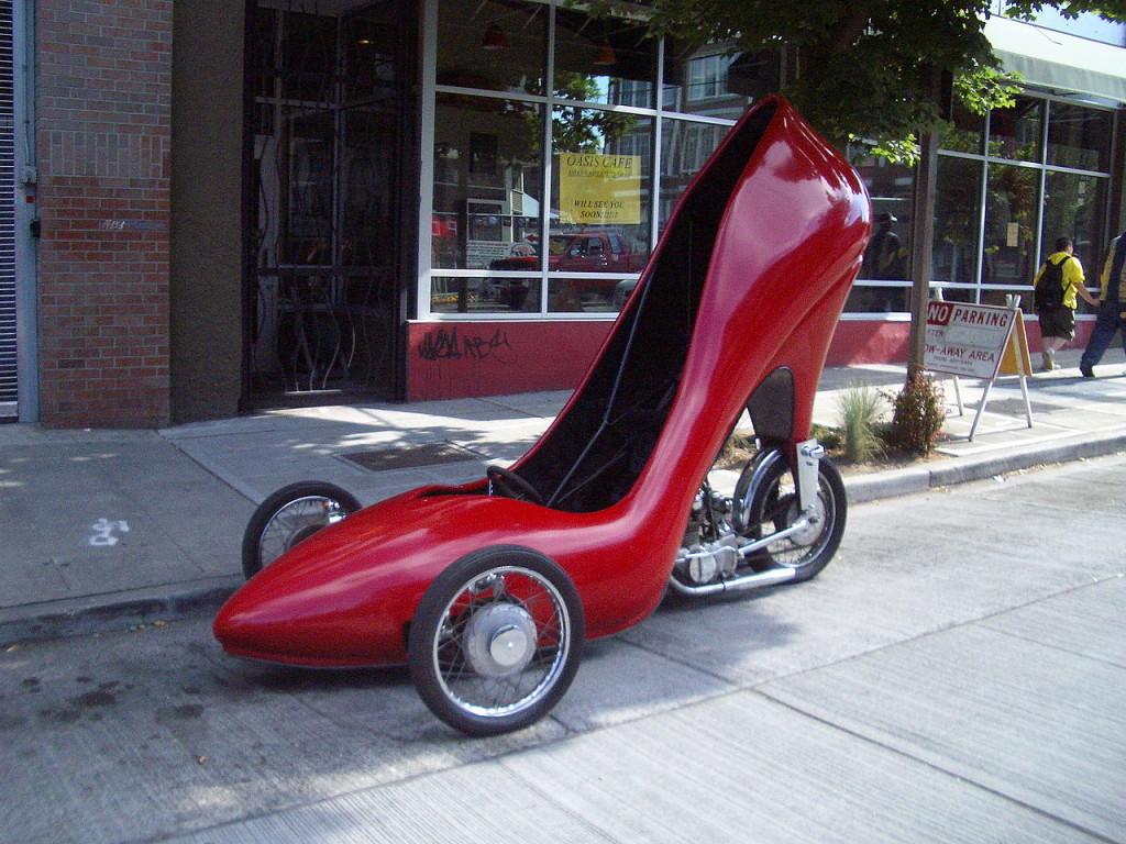 авто в виде туфельки