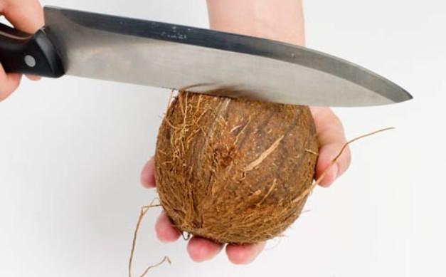 кокос ножом