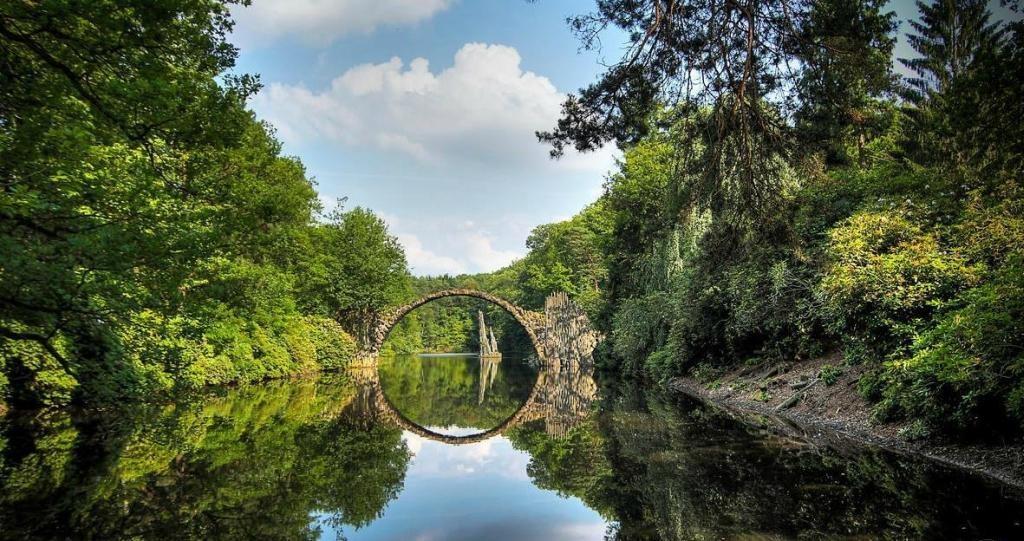 необычный мост в Германии