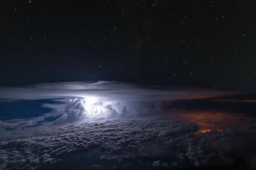 облака из кабины пилота