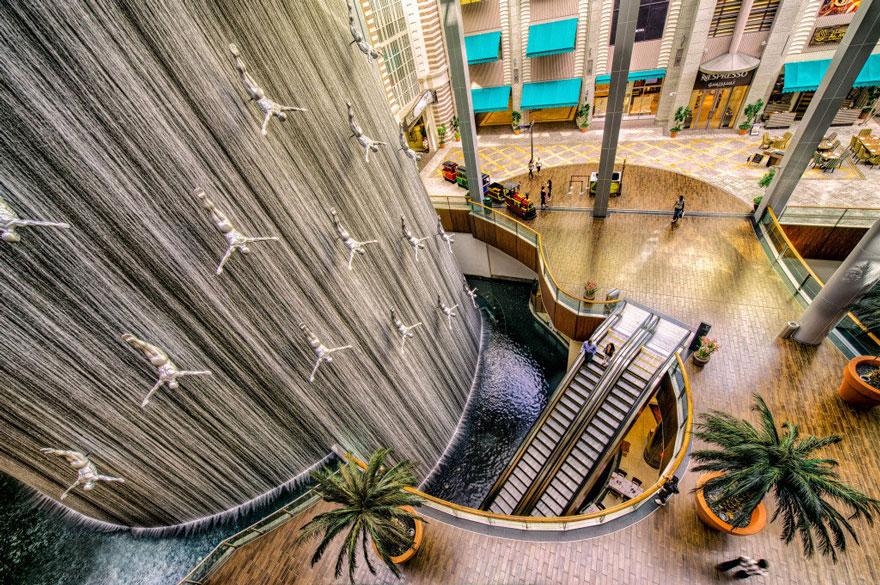 фонтан в эмиратах