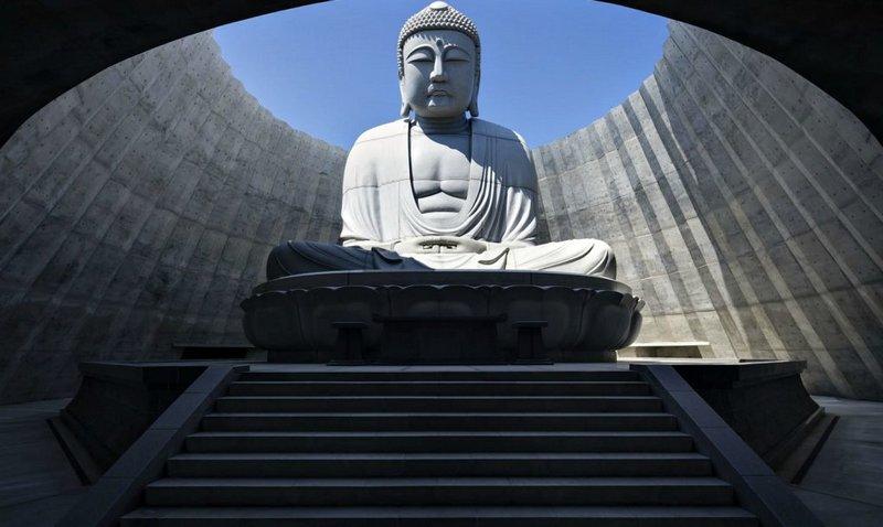 статуя будды в Японии