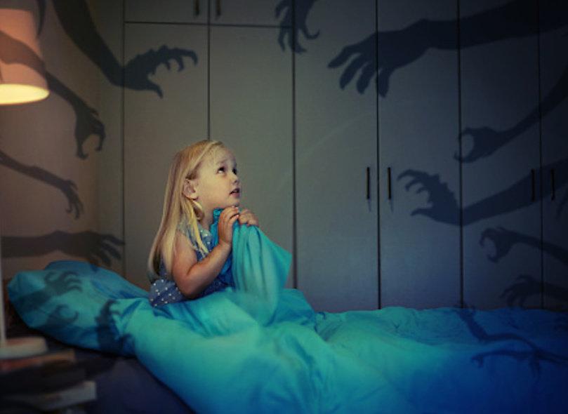 ребенок боится спать