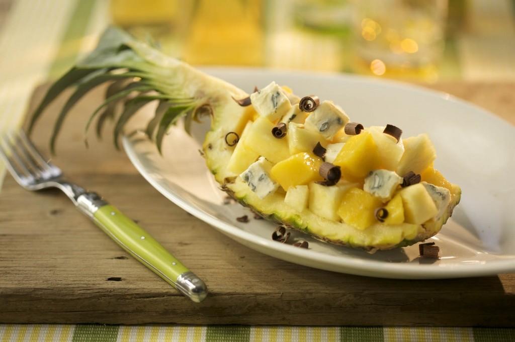 ананас с сыром с плесенью