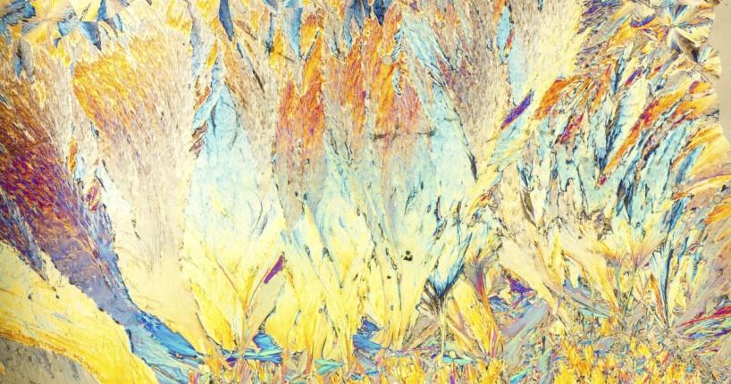 химические вещества под микроскопом