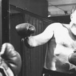 Эрнест Хемингуэй: «Бокс научил меня никогда не оставаться лежать, всегда быть готовым вновь атаковать…»